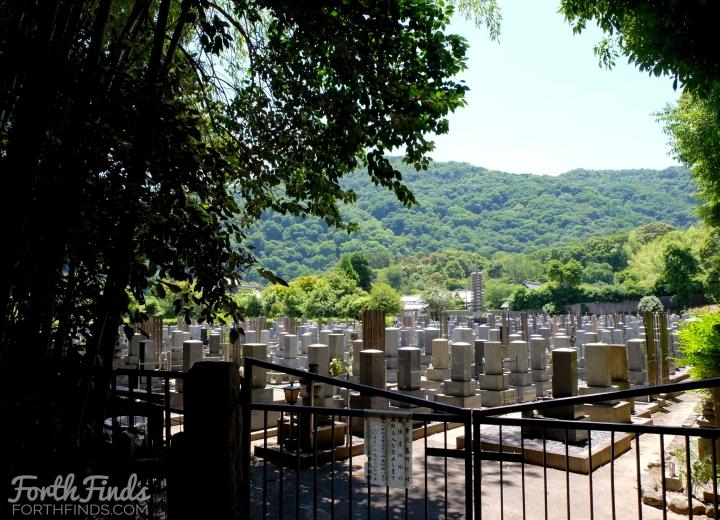 Arashiyama-graveyard.jpg